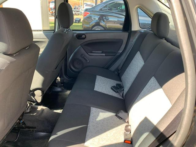 Fiesta 1.6 Sedan - Foto 2