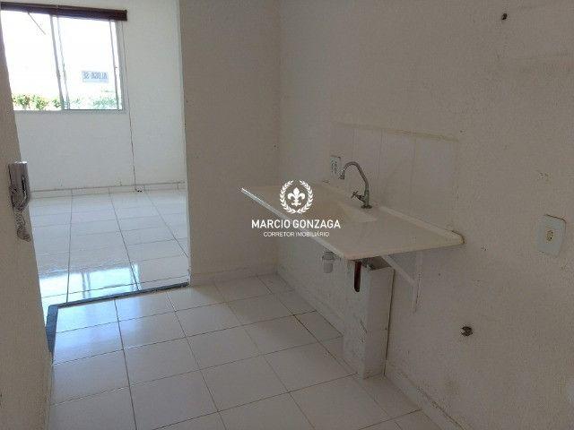 Apartamento com 2 quartos, condomínio familiar no bairro de Candeias! - Foto 2