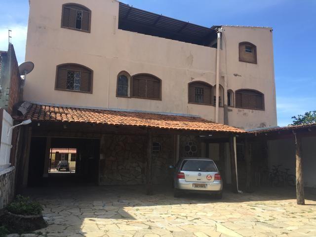 Suíte independente com garagem para 1 pessoa solteira Guará 1