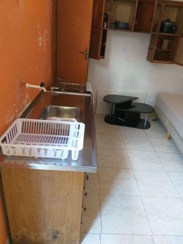 Casa-Kitnete na cic ,Para 1 Pessoa!! Mobiliada! incluso água e luz! R$ 420,00 - Foto 6