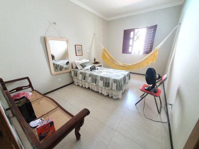 Excelente casa plana, solta, com amplo terreno e piscina, reformada, no Vila União - Foto 15