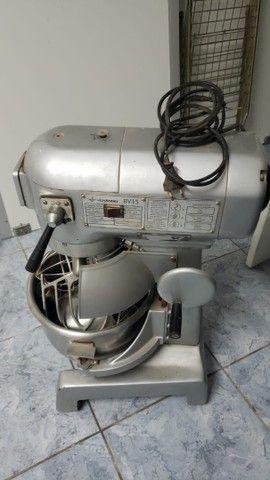 Batedeira Industrial Venâncio BV15  20 litros