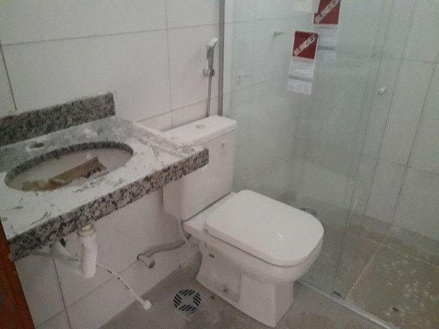 CASA 03 QTOS A POUCOS MINUTOS DO SHOPPING  - Foto 3