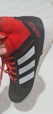 Chuteira Adidas futsal tam 38 - Foto 3