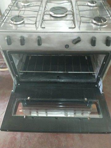 Vende-se fogão atlas inox 5 bocas acendimento automático entrego Uberaba - Foto 2