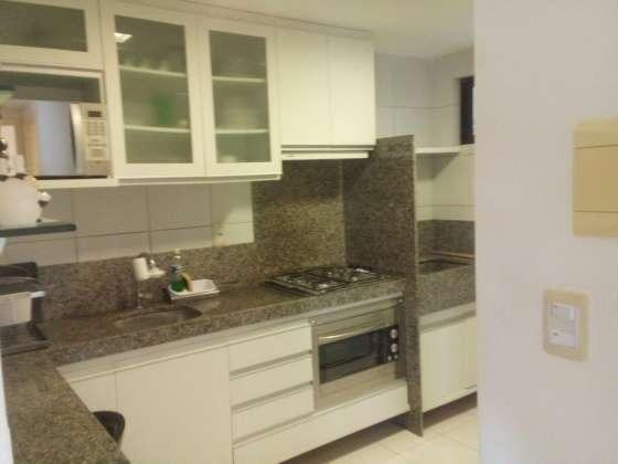 Vendo excelente apartamento todo reformado e mobiliado com garagem coberta 2/4 no planalto