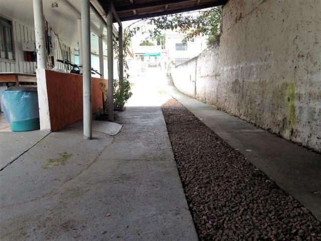 Casa residencial terreno 480 m² (12x40), com 3 casas, Rua Araruna, nº407, Pinheirinho. - Foto 6