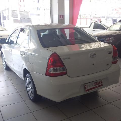 TOYOTA ETIOS 2017/2018 1.5 X SEDAN 16V FLEX 4P MANUAL - Foto 4