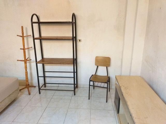 Casa-Kitnete na cic ,Para 1 Pessoa!! Mobiliada! incluso água e luz! R$ 420,00 - Foto 10