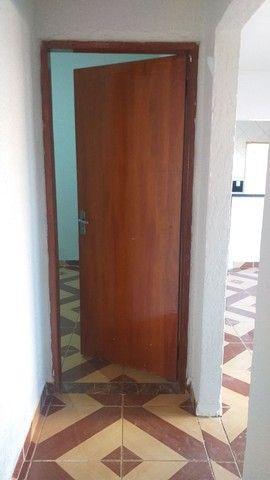 Vendo casa grande com 3 barracões no setor Serra Dourada 3 - Foto 9