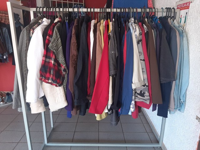 Araras de roupa de r$ 150 cada