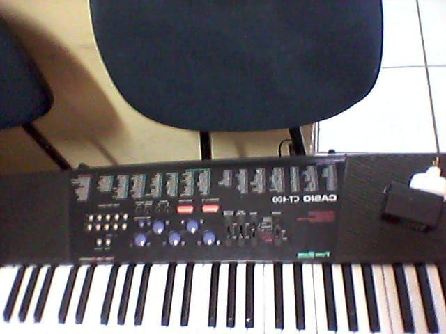 Teclado Casio CT400