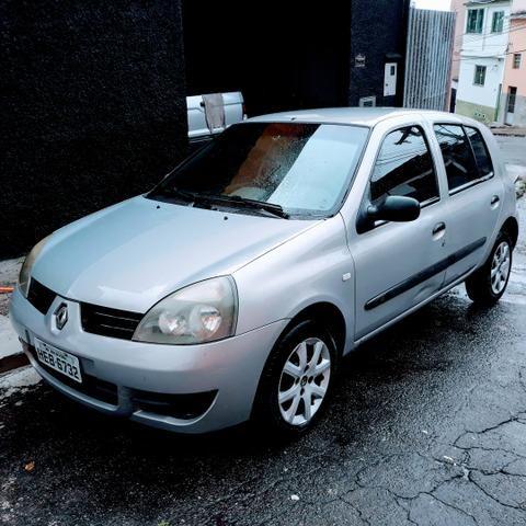 Clio 1.0 8 Válvulas ano 2007