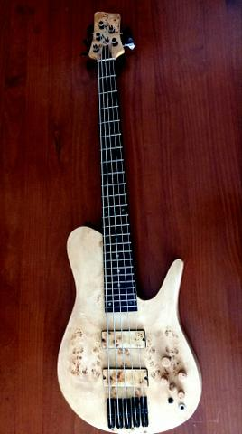 Baixo Lhuiz Guitars