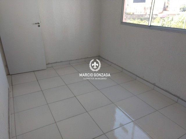 Apartamento com 2 quartos, condomínio familiar no bairro de Candeias! - Foto 5