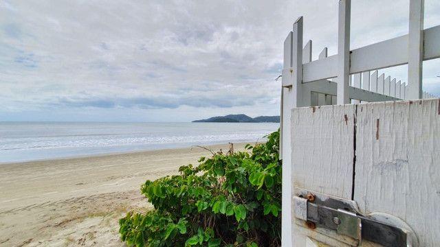 Casa pé na areia  locação de temporada com 4 dormitórios no Perequê - Cód. 73AT - Foto 20