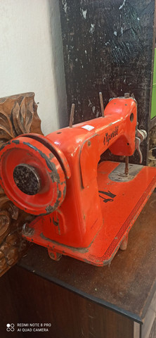 Máquina de Costura Antiga Vigorelli - Foto 2