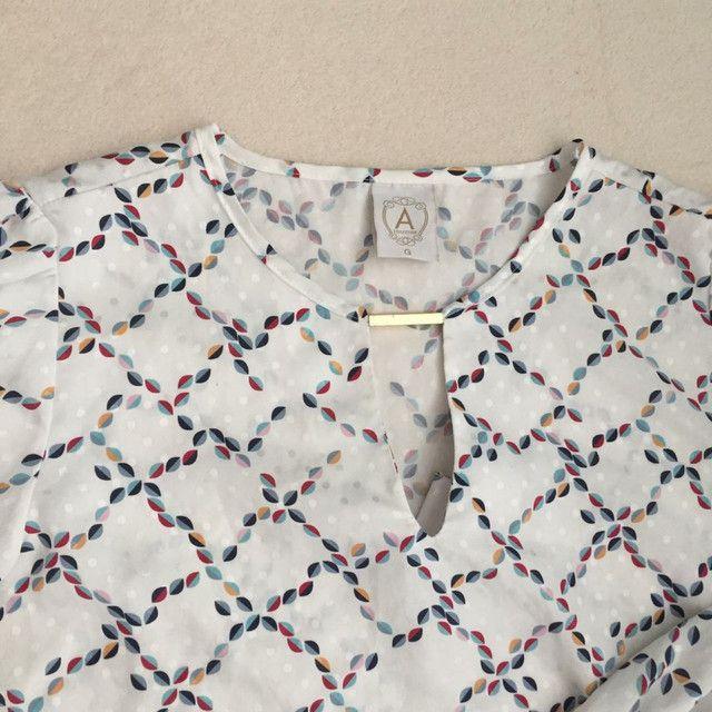 Camisa tipo bata acetinada tamanho G - Foto 2