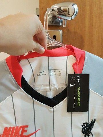 Camisa Liverpool Nike Air - tamanho M - Foto 2
