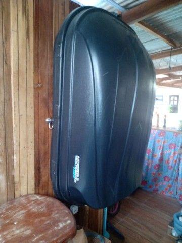 Vende-se um bagageiro dê teto 510 litros - Foto 4