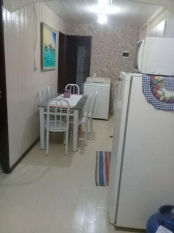 Alugar quarto para moça estudante com água luz e internet 400 reais