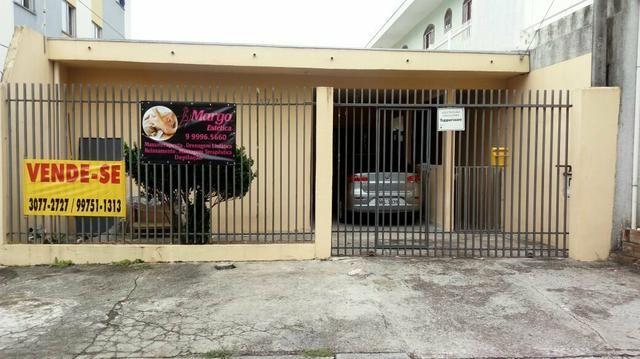 Vendo Ótima Casa em excelente localização no Sitio Cercado!!