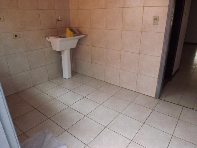 2 residências em excelente localização - Casa principal com 140m2 - Casa 02 com 60m2 - Foto 7