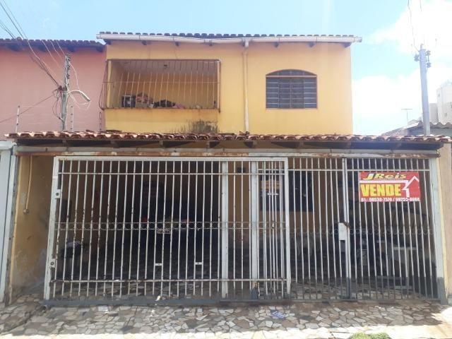 Vendo sobrado em Samambaia em ótima localização, R$ 320 mil