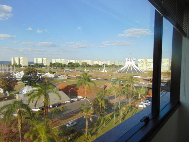 Sala comercial - 2 salas conjugadas no Ed. Terra Brasilis - Setor de Autarquias Sul