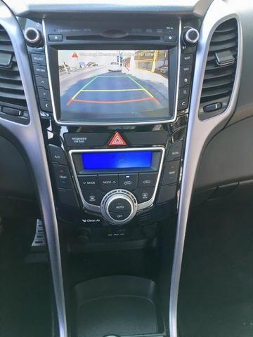 Hyundai i30 1.8 Top de linha Teto solar, Chave presença, Banco elétrico, ar digital - Foto 12