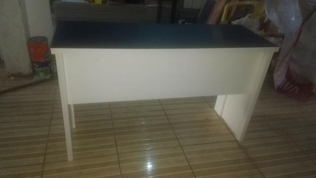 Mesa de escritorio mdf preto/branco