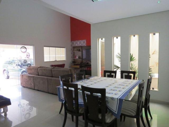 Casa a venda / condomínio jardim europa ii / 04 quartos / churrasqueira / aceita imóvel no
