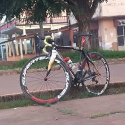 Bicicleta speed de carbono