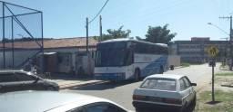 Vendo ou troco ônibus por caminhão Baú