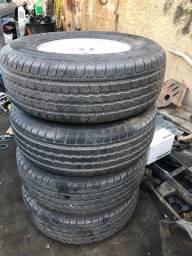 Vendo jogo de rodas com pneus novos aro 16 Hilux 2012