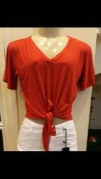 T-shirt vermelha de amarrar