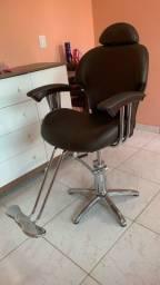 Título do anúncio: Vendo cadeira semi nova