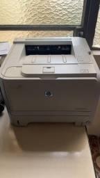 Impressora Laserjet Monocolor HP P2035 *** Usada ***