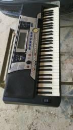 Teclado yamaha PSR 550, original. Por R$ 950