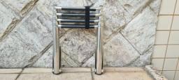 Título do anúncio: Escada Náutica Telescópica- 4 degraus