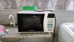 Vendo um Microondas da Panasonic  R$ 130,00