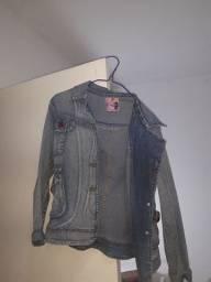 Vendo jaqueta  jeans BOM  em perfeito estado