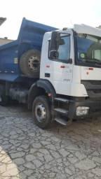 Vendo 2 caminhões mb 3131 - Ano 2014