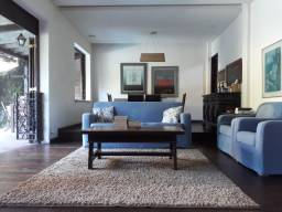 Título do anúncio: Casa Duplex agradável, muito ampla, mais de 300m2 muito bem divididos em todos os cômodos,