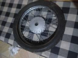 Venda de roda de cg 150 com pneu bom