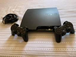PlayStation 3 Slim com 23 jogos instalados na memória