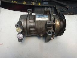 Compressor do ar condicionado do Clio