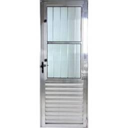 Título do anúncio: Porta de Alumínio C/ Postigo 2 vidros por Apenas R$459,00 à Vista