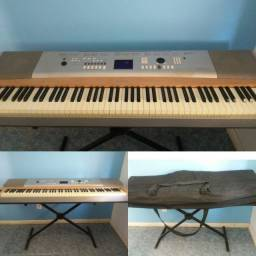 [22/6 6:24 PM] Viviane: piano portable grand dgx 620<br>[22/6 6:24 PM] Viviane: Yamaha
