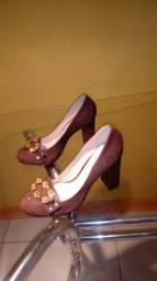 Vende - se sapato na cor marrom em couro número 35 508bb521dfcd5